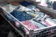 Стойки для одежды , манекены , цепи , распродажная корзина , торговые