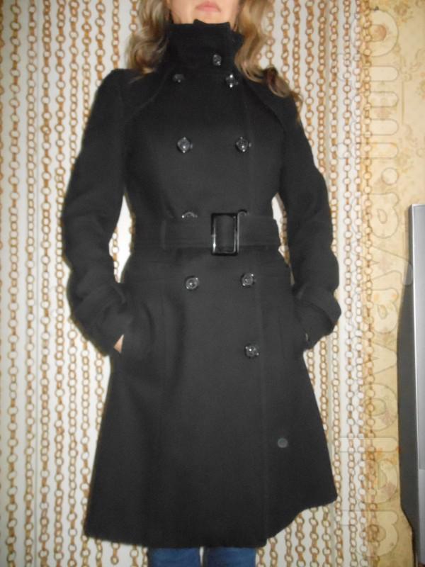 Пальто c шерстью Warehouse , чёрного цвета, смотрится очень стильно,