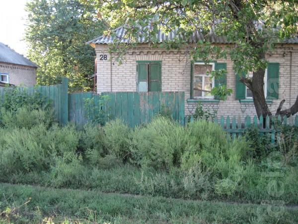 Продам дом в г. Лисичанске, район ост. 'Космическая'( общ. пл.-63 кв.