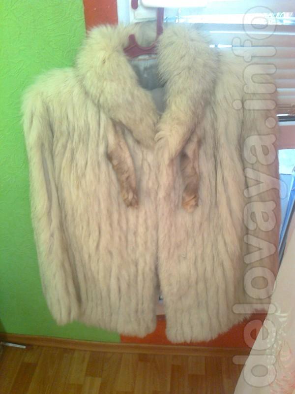Продаю полушубок из натурального меха по ненадобности.одета  пару ра