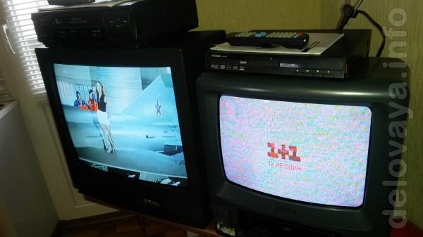 ТВ 'Панасоник'- -54см + DVD-USB 'Шиваки'-видеодвойка  диагональ 40-см