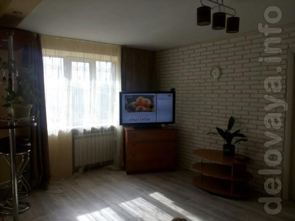 Продается двухкомнатная квартира( 15 км от северодонецка) Первый этаж