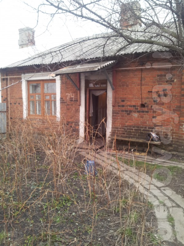 Продам в доме барачного типа 2-х комн.кв,с отдельным входом, общ.пл.3